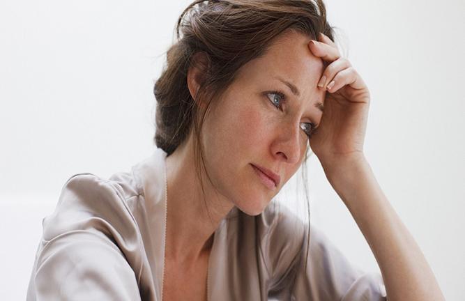Suy giảm nội tiết tố nữ có những dấu hiệu gì?